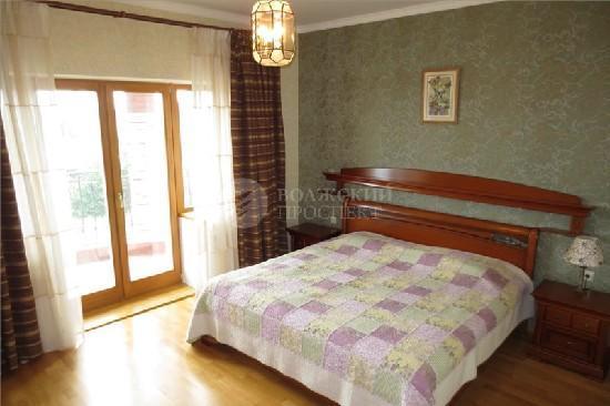 Продажа дома, 350м <sup>2</sup>, 15 сот., с. Ягодное, Волжская
