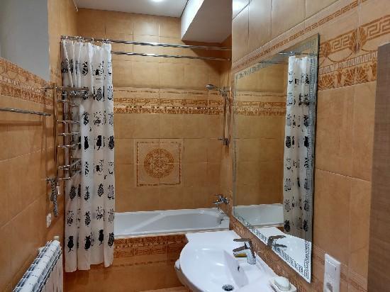 Продажа 3-комнатной квартиры, г. Тольятти, Южное ш-се  23